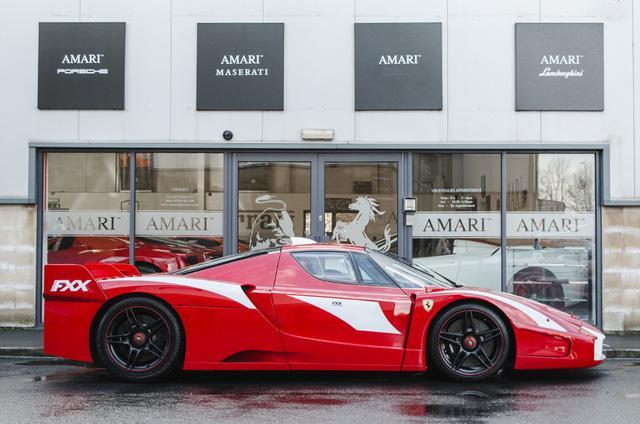 Siêu xe Ferrari FXX phiên bản đường phố duy nhất trên thế giới có giá khóc thét - Ảnh 8.