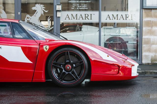 Siêu xe Ferrari FXX phiên bản đường phố duy nhất trên thế giới có giá khóc thét - Ảnh 10.