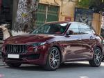 Maserati Levante màu lạ giá hơn 5 tỷ lăn bánh tại Hà Nội