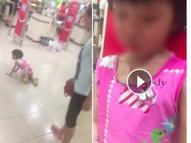Bé gái bị mẹ dùng túi đồ đánh vào mặt, đẩy ngã trong siêu thị