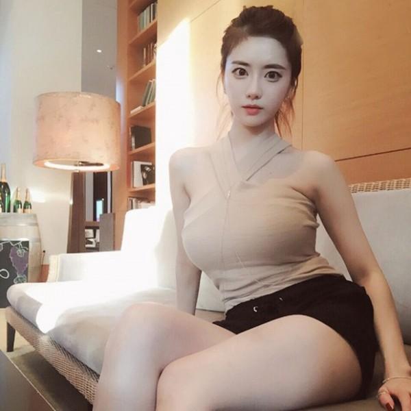 top 5 nu mc livestream xinh dep goi cam nhat dong a hinh anh 10