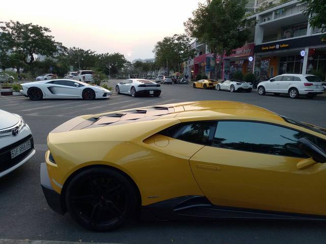 Dàn siêu xe khủng của đại gia Sài thành đi chơi bar cuối tuần - Ảnh 8.