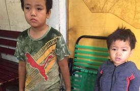 Người thân liên hệ nhận 2 bé trai xách bịch đồ tìm cha mẹ trong đêm khuya