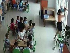 """Vụ cô giáo dốc ngược trẻ 22 tháng tuổi trong lớp học: Cơ sở này hoạt động """"chui"""""""