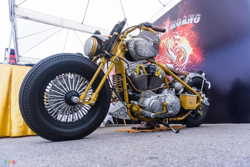 Dan choi Ha thanh do hoa van cho xe khung Harley hinh anh 1