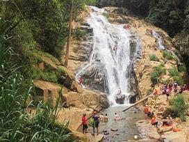 Chinh phục thác Hang Cọp,  du khách nước ngoài cùng hướng dẫn viên rơi xuống tử vong