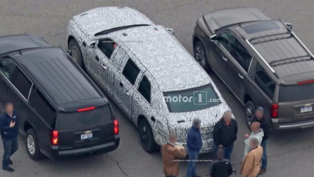Limousine bọc thép chống đạn của Tổng thống Donald Trump tiếp tục lộ diện - Ảnh 8.