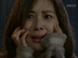 Phim của 'bà xã Jang Dong Gun' và 'nữ hoàng phim 19+' mở màn với rating thấp thê thảm