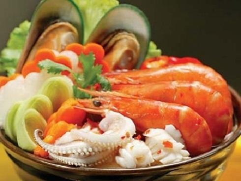 Một số loại thực phẩm đã chế biến không nên dùng qua đêm