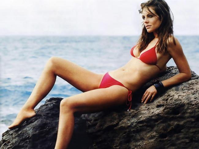 Không quản tuổi tác, người mẫu Elizabeth Hurley vẫn có được thân hình đẹp như tạc và đây chính là bí quyết - Ảnh 5.