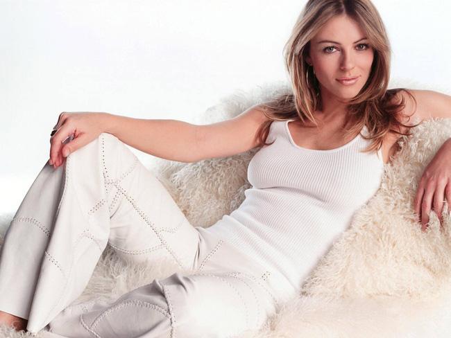 Không quản tuổi tác, người mẫu Elizabeth Hurley vẫn có được thân hình đẹp như tạc và đây chính là bí quyết - Ảnh 6.