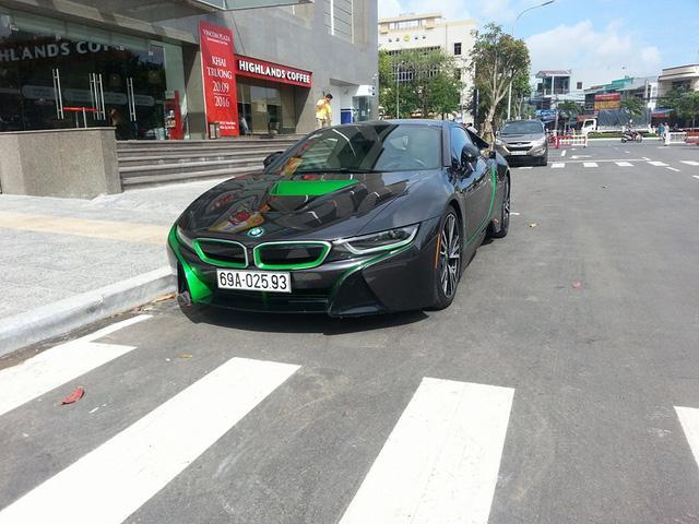 Các thiếu gia miền Tây thu nạp thêm xe sang BMW i8 - Ảnh 3.