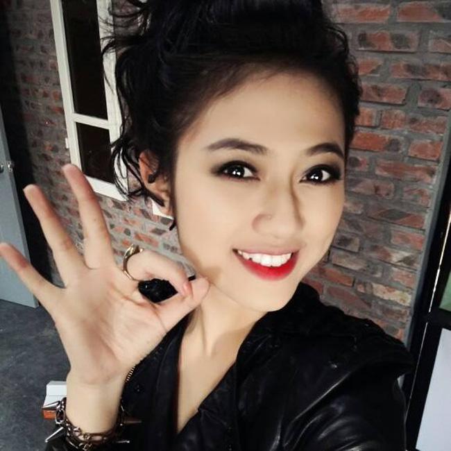 """Trang Cherry - nhân vật """"Phù thủy"""" trong bộ phim sitcom """"5S online"""" được  biết đến với hình ảnh trong sáng, nhí nhảnh."""