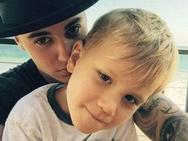 Cậu em trai 8 tuổi của Justin Bieber chia sẻ chuyện 'yêu' người hơn tuổi cực hài hước