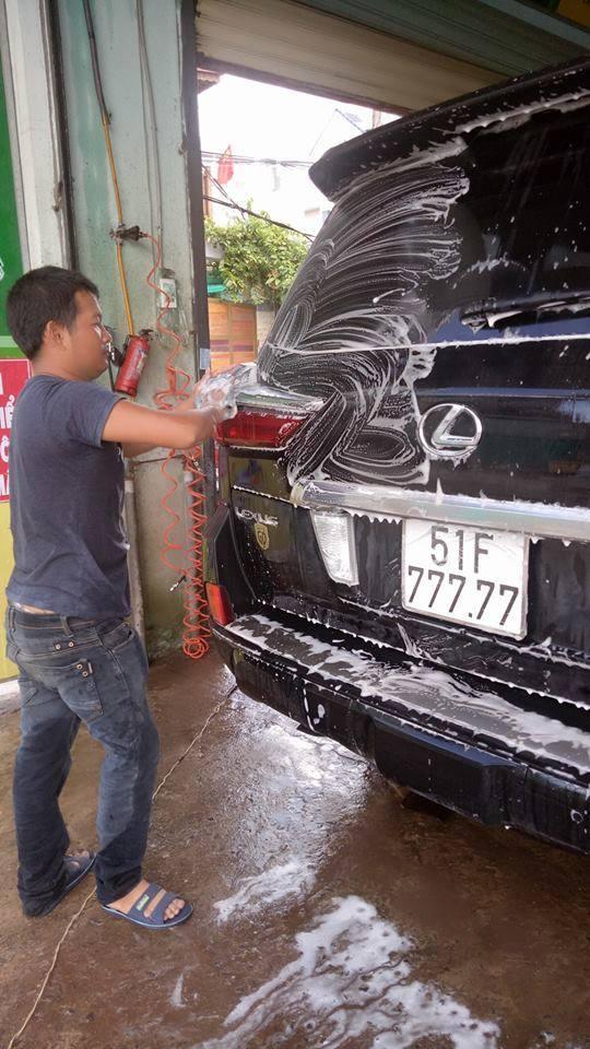 Bắt gặp chuyên cơ mặt đất Lexus LX570 2016 biển ngũ quý 7 tại Sài Gòn - Ảnh 2.