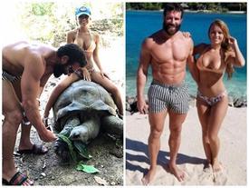 Cô gái Mỹ mặc bikini cưỡi rùa khổng lồ 100 tuổi gây sốc