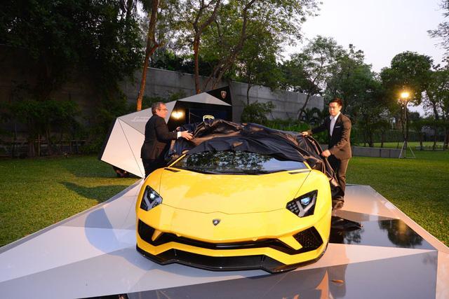 Siêu xe Lamborghini Aventador S ra mắt tại Thái Lan với giá lên đến 22,8 tỷ Đồng - Ảnh 8.