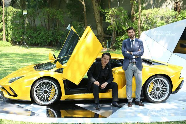 Siêu xe Lamborghini Aventador S ra mắt tại Thái Lan với giá lên đến 22,8 tỷ Đồng - Ảnh 10.