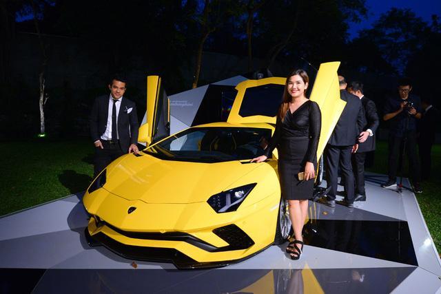 Siêu xe Lamborghini Aventador S ra mắt tại Thái Lan với giá lên đến 22,8 tỷ Đồng - Ảnh 11.