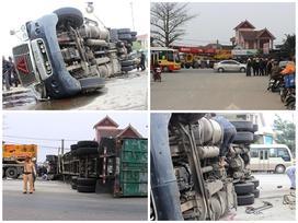 Xe container lật nghiêng đè người đi xe máy tử vong tại chỗ
