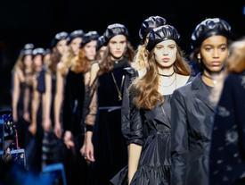 Đỗ Mạnh Cường và giới mộ điệu Việt 'chê ỏng chê eo' bộ sưu tập mới nhất của Dior