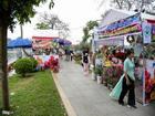 Lễ hội hoa hồng Bulgaria ế khách, vé chợ đen giảm giá