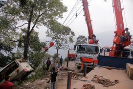 Thông tin mới nhất vụ xe khách lao xuống vực ở Lào Cai