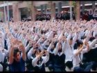 Ứa nước mắt clip hơn 3.000 học sinh hát chúc thầy Văn Như Cương mau khỏe