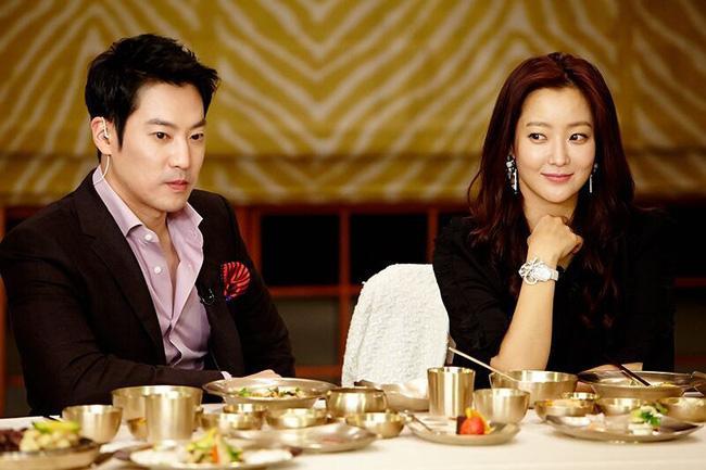 Gia thế và ngoại hình chồng mỹ nhân tự nhận đẹp nhất Hàn Quốc Kim Hee Sun - Ảnh 1.
