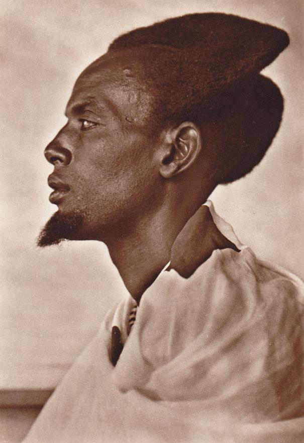 Với người Rwandan, mốt tóc vầng trăng khuyết là một nét văn hóa thời trang độc đáo - Ảnh 4.