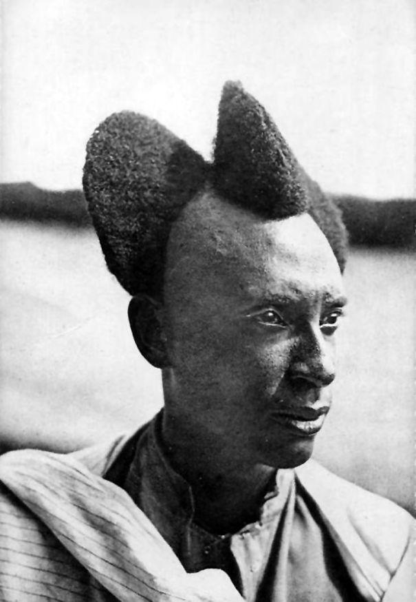 Với người Rwandan, mốt tóc vầng trăng khuyết là một nét văn hóa thời trang độc đáo - Ảnh 2.