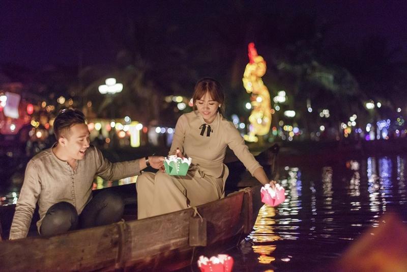 Tan chảy với nụ hôn Trấn Thành dành cho Hari Won ngày 8/3-6