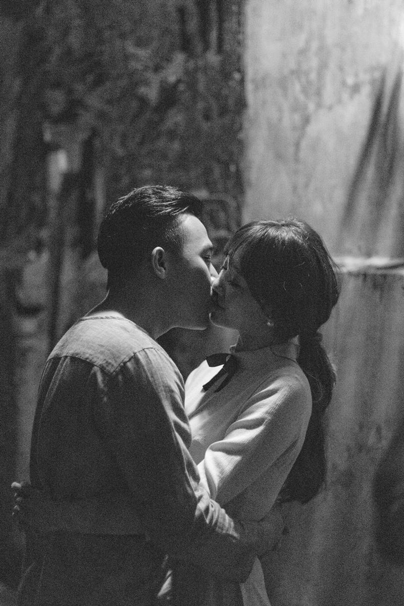 Tan chảy với nụ hôn Trấn Thành dành cho Hari Won ngày 8/3-1