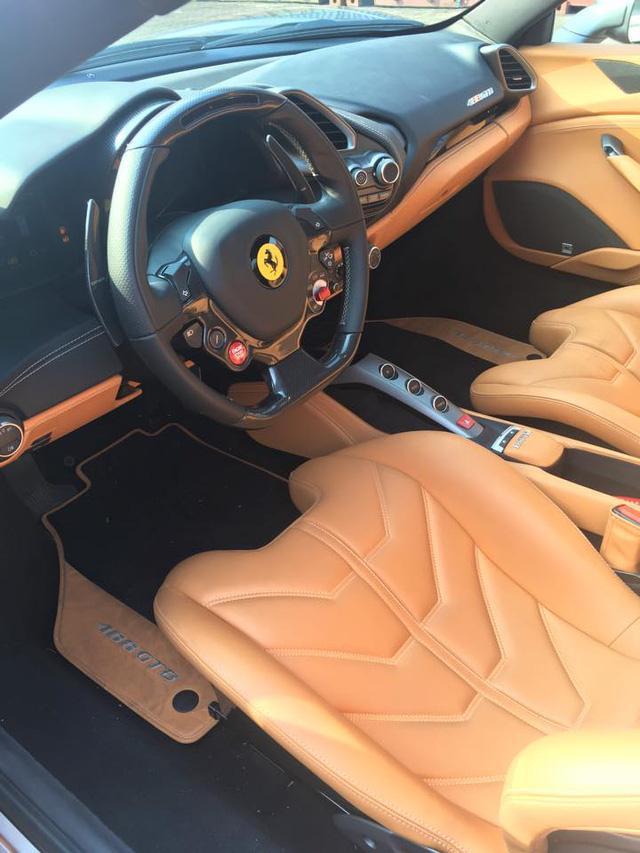 Bật mí về biển số lạ trên siêu xe Ferrari 488 GTB tại Thủ đô - Ảnh 10.