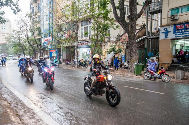 Hà Nội: Dàn nữ biker xuống phố ngày 8/3 - Ảnh 9.