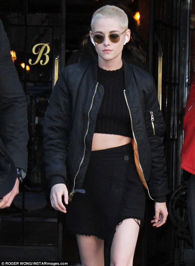 Kristen Stewart chứng minh: Đã đẹp thì cạo đầu vẫn đẹp đến lạ! - Ảnh 4.