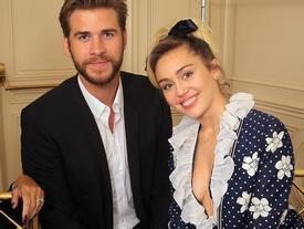 Bố Miley Cyrus bất ngờ khoe ảnh con gái đã làm đám cưới?