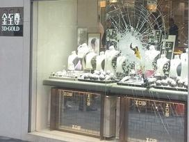 Nhẫn kim cương 640.000 USD bị trộm táo tợn ở Hong Kong