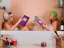 """Hình ảnh """"khó tin"""" của chị em phía trong bồn tắm"""