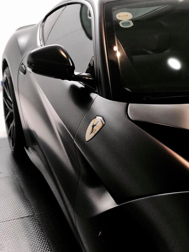 """Cường """"Đô-la"""" thay áo đen nhám cho siêu xe Ferrari F12 Berlinetta """"hàng độc"""" - Ảnh 5."""
