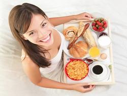 Là người bận rộn, đừng bỏ qua 7 nguyên tắc ăn uống 'tối thiểu phải có' dưới đây