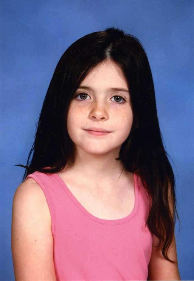 Video: Khoảnh khắc cuối cùng của bé gái 8 tuổi trước khi bị kẻ ấu dâm cưỡng hiếp và giết hại dã man - Ảnh 5.