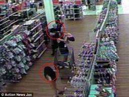 Video: Khoảnh khắc cuối cùng của bé gái 8 tuổi trước khi bị kẻ ấu dâm cưỡng hiếp và giết hại dã man