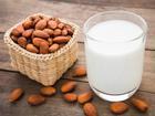 Cách làm sữa hạnh nhân đơn giản, thơm ngon