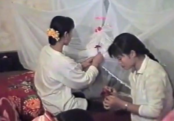 Trước đó, phòng tân hôn được trang trí bởi những bàn tay khéo léo