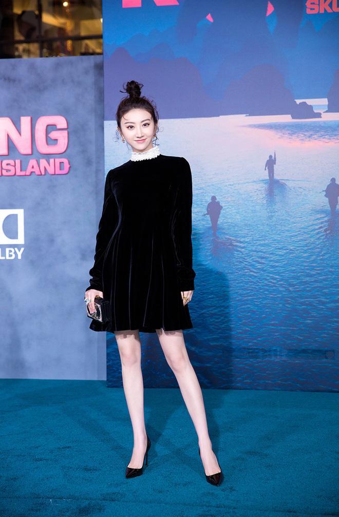 Đệ nhất mỹ nữ Bắc Kinh Cảnh Điềm nổi bật bên dàn sao Kong: Skull Island - Ảnh 2.