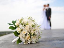 Nhiều người yêu lâu quên cả cưới, nhiều người mới cưới quên cả yêu