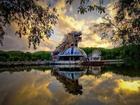 Công viên nước bỏ hoang tại Việt Nam rùng rợn và ma mị qua ống kính phóng viên Úc