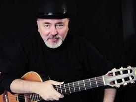 Danh cầm Igor Presnyakov cover, hát theo 'Lạc trôi' của Sơn Tùng M-TP