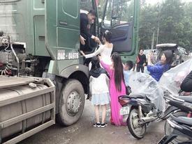 Màn rước dâu độc đáo bằng dàn xe tải hạng nặng hàng chục chiếc ở Yên Bái
